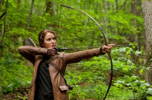 Katniss-Everdeen-Hanger-Games-Bow-and-Arrow-Jennifer-Lawrence