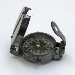 Military_Compass_Antique_br48343a